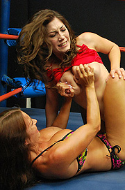 Female Wrestling Photo