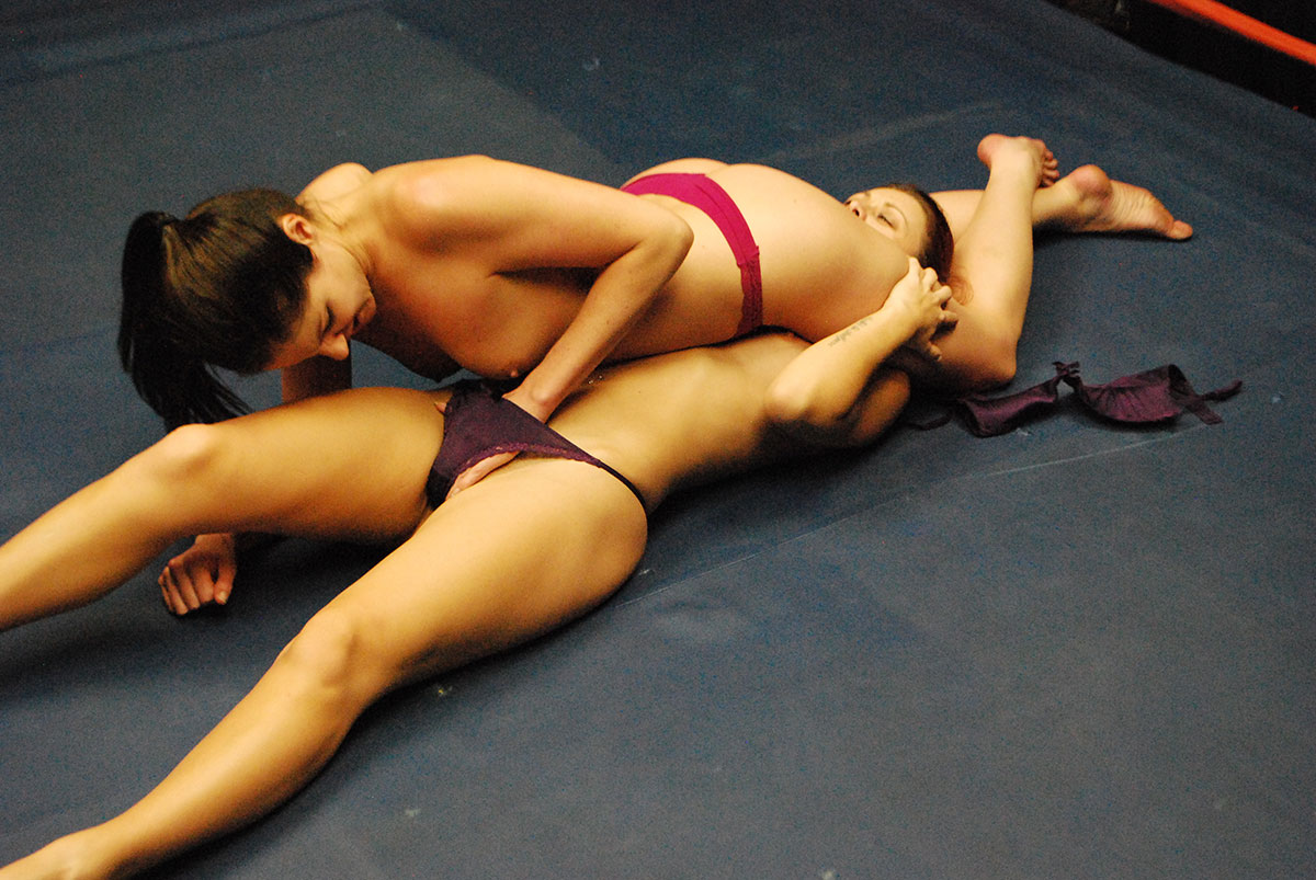 Female wrestling sex girl