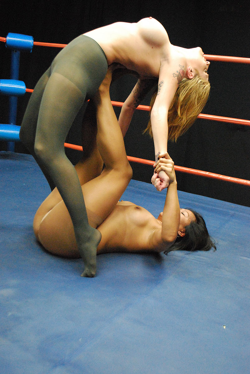 Max Mikita Pantyhose Minimalist female wrestling - catfights - topless boxing - nude wrestling