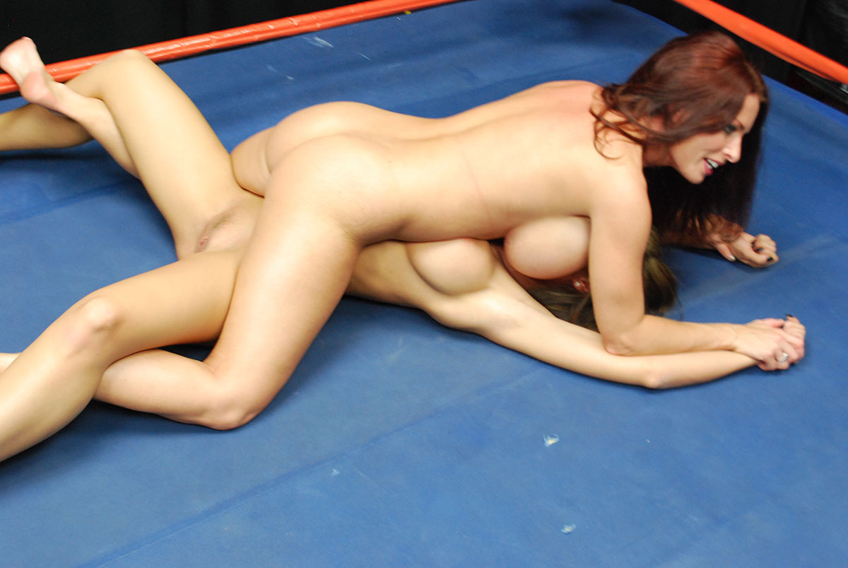 Nude Female Wrestling Catfight