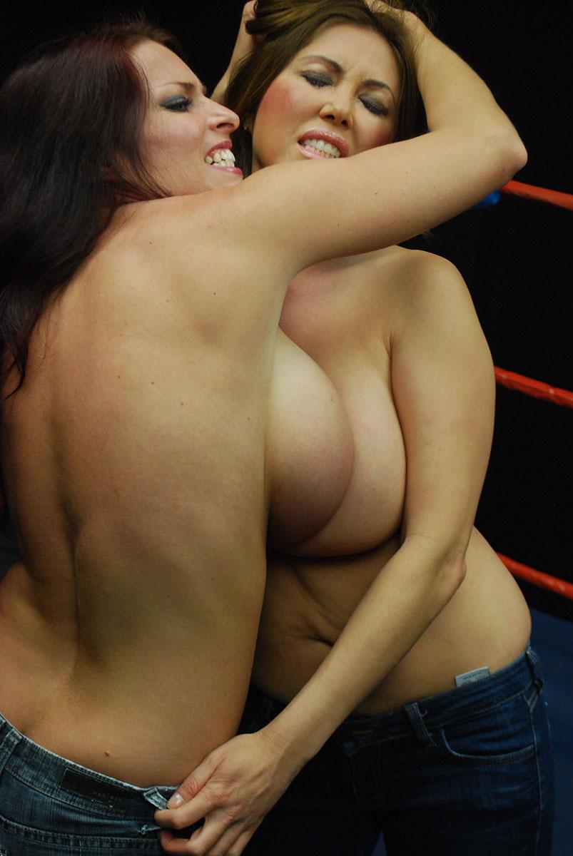 Big tits fight