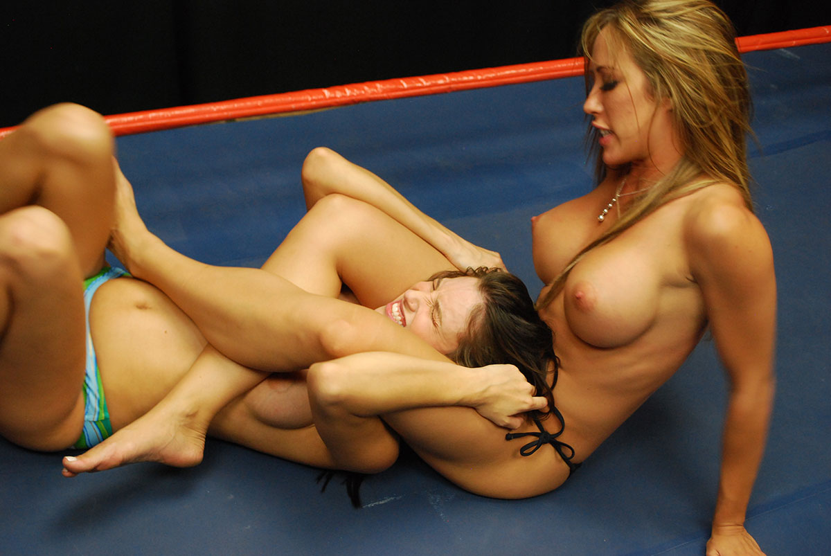 Sexy Nude Mixed Wrestling