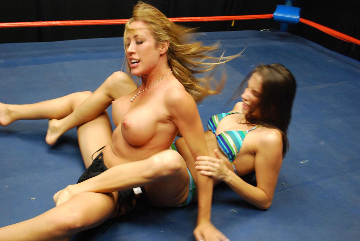 Dt Match Topless Catfighting Featuring Capri Cavanni