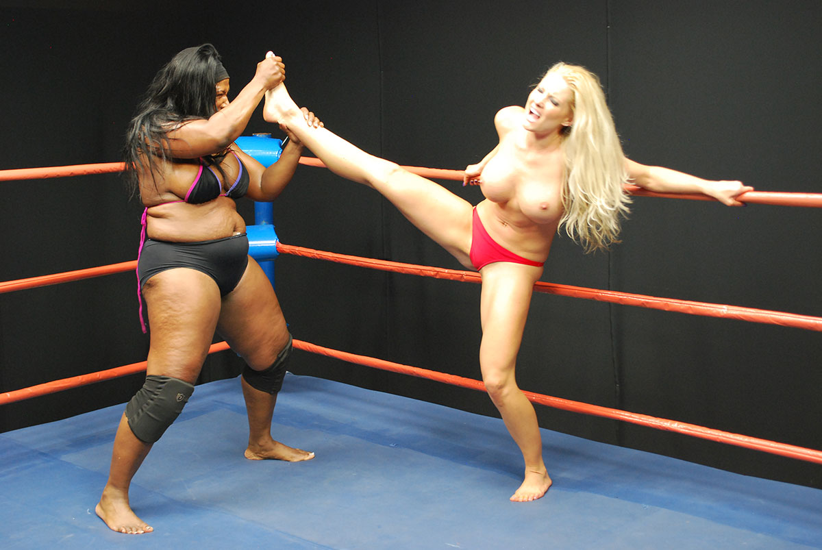 Sorry, nude woman wrestling