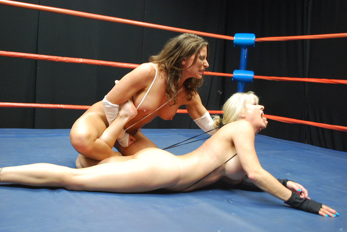 Nude Female Wrestling Submission