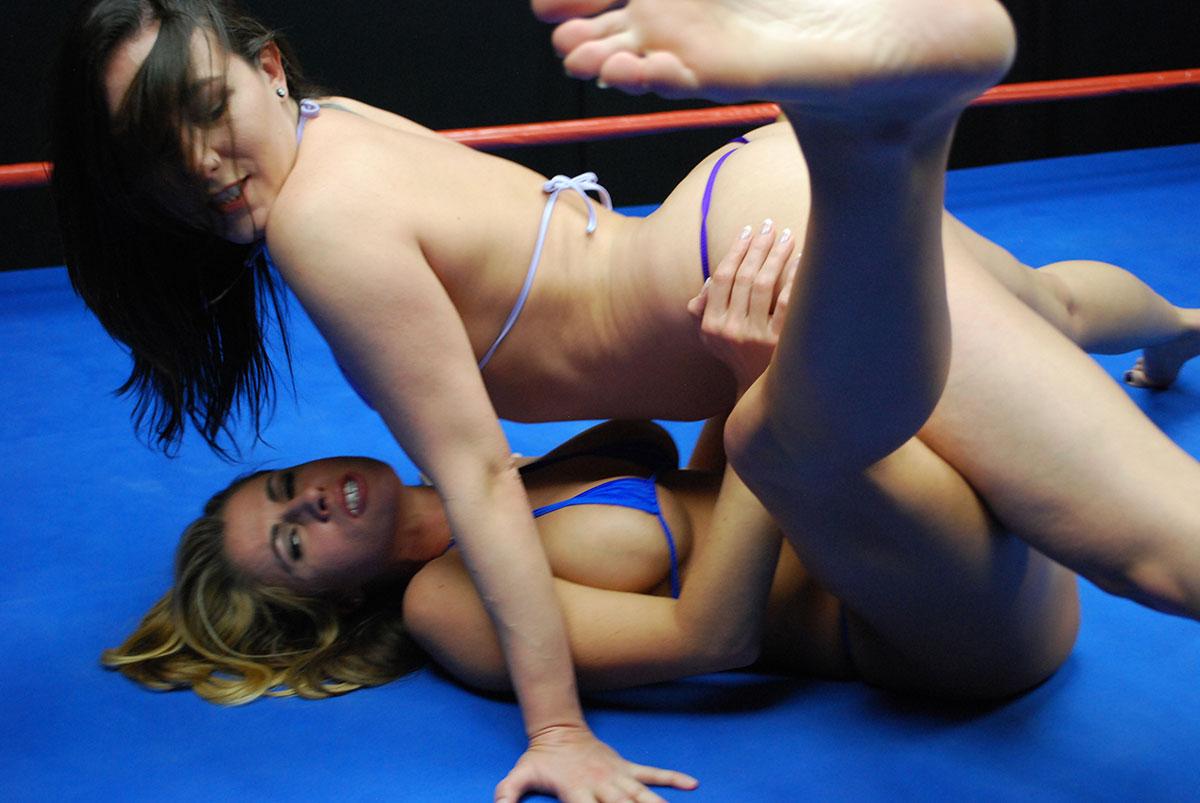 sinn sage catfaight Topless Wrestling Sinn Sage Catfight