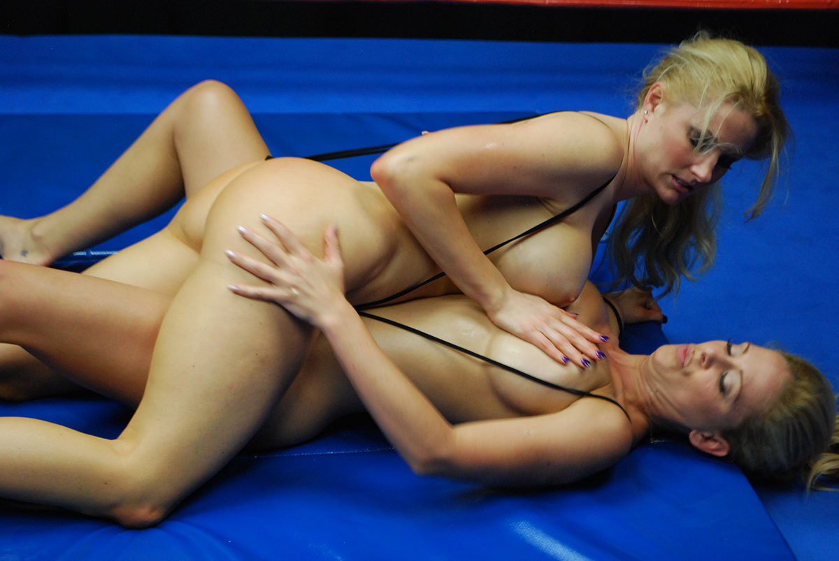 Adult female wrestling