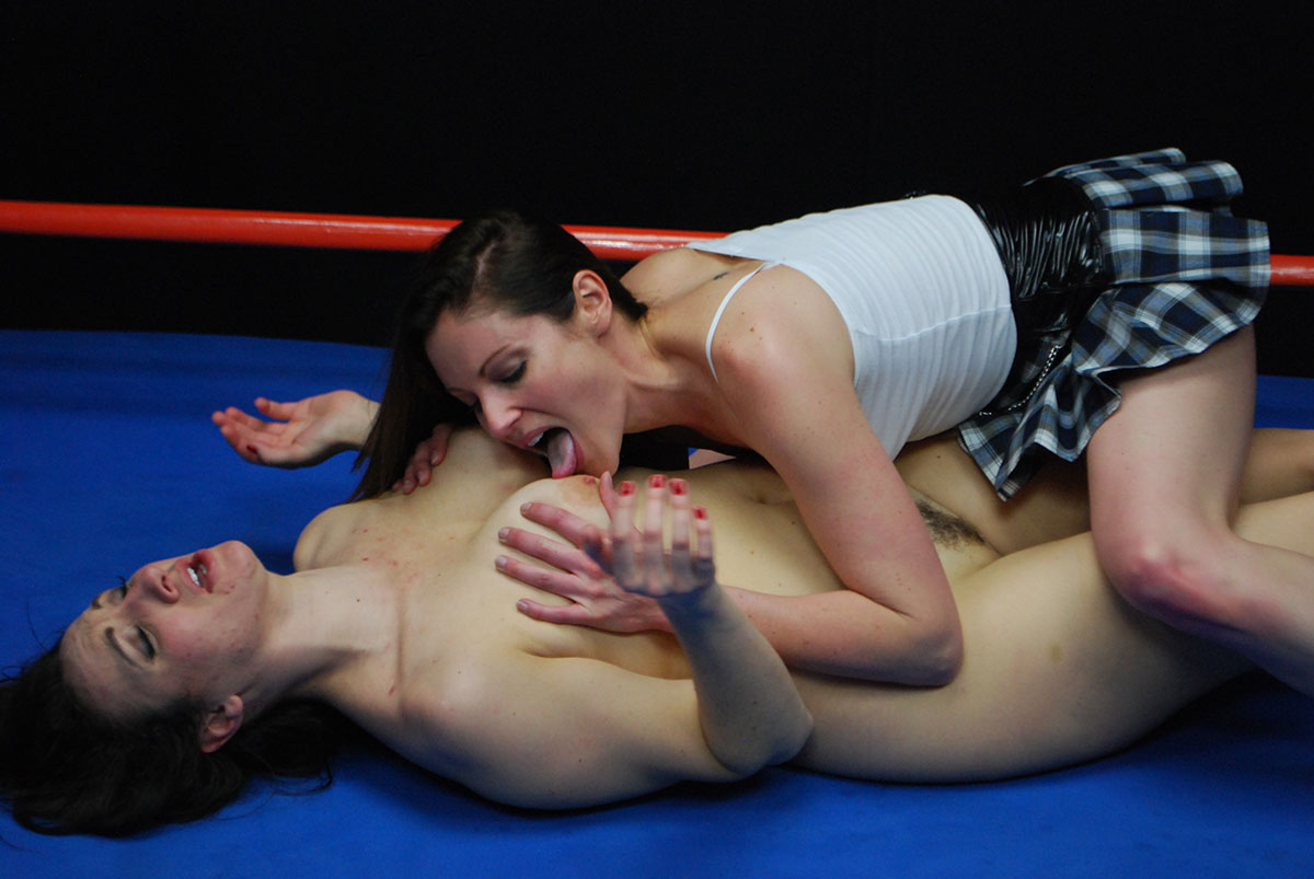 nude female wrestling