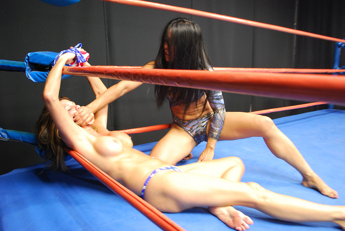 Rolling Catfight Asian