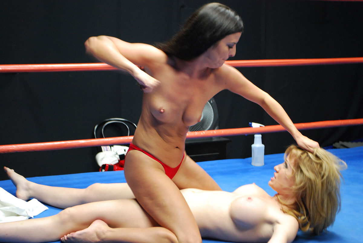 Girls Fight Naked