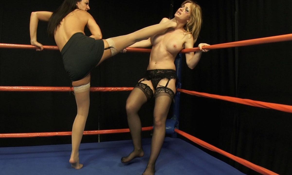 female-bleeding-naked-wrestling-pics