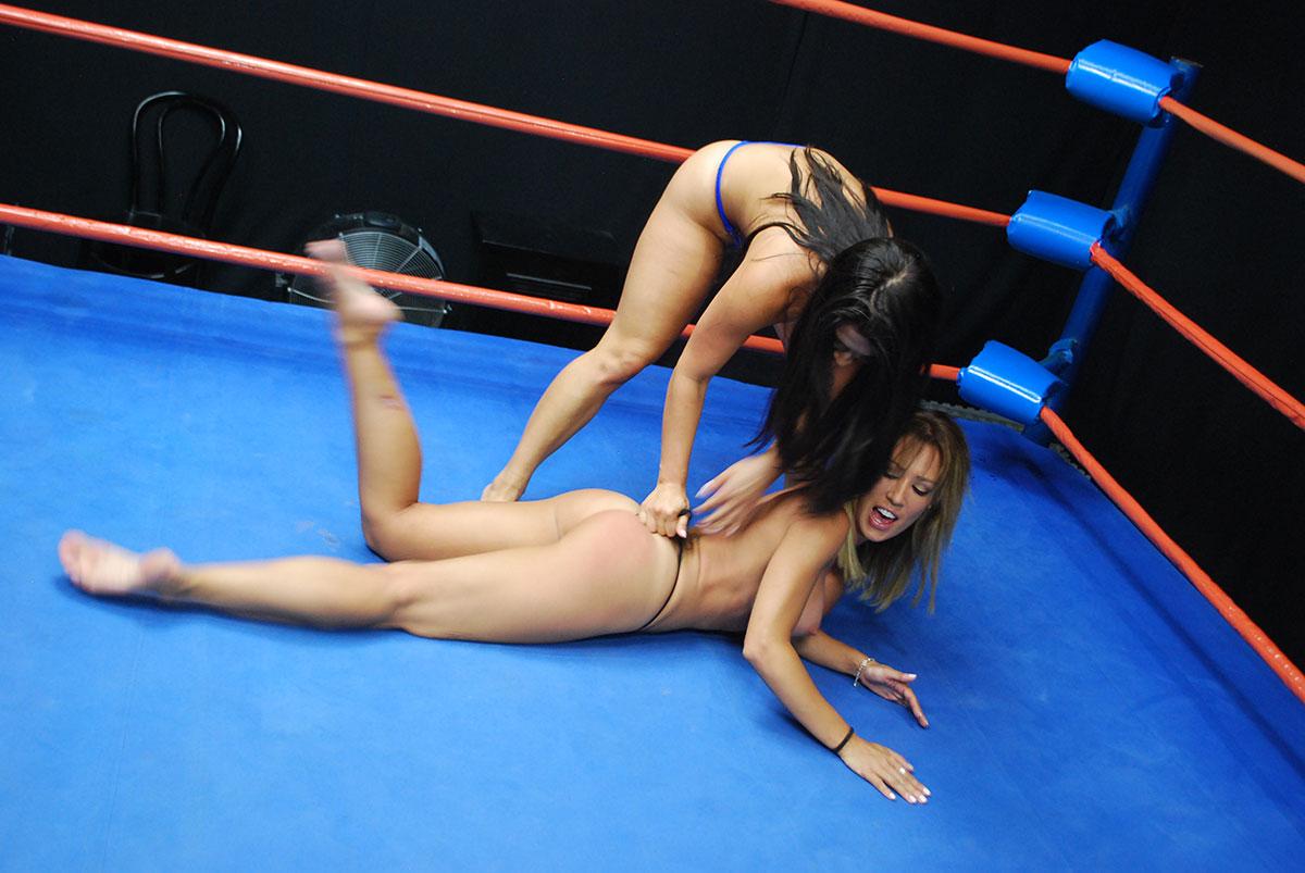Sexy capri cavanni loses her bikini with the poolboy puremature 1