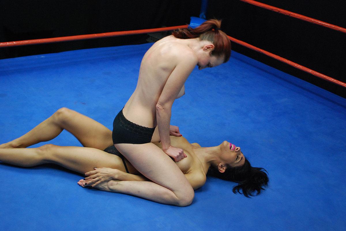 Naked wrestling amateur