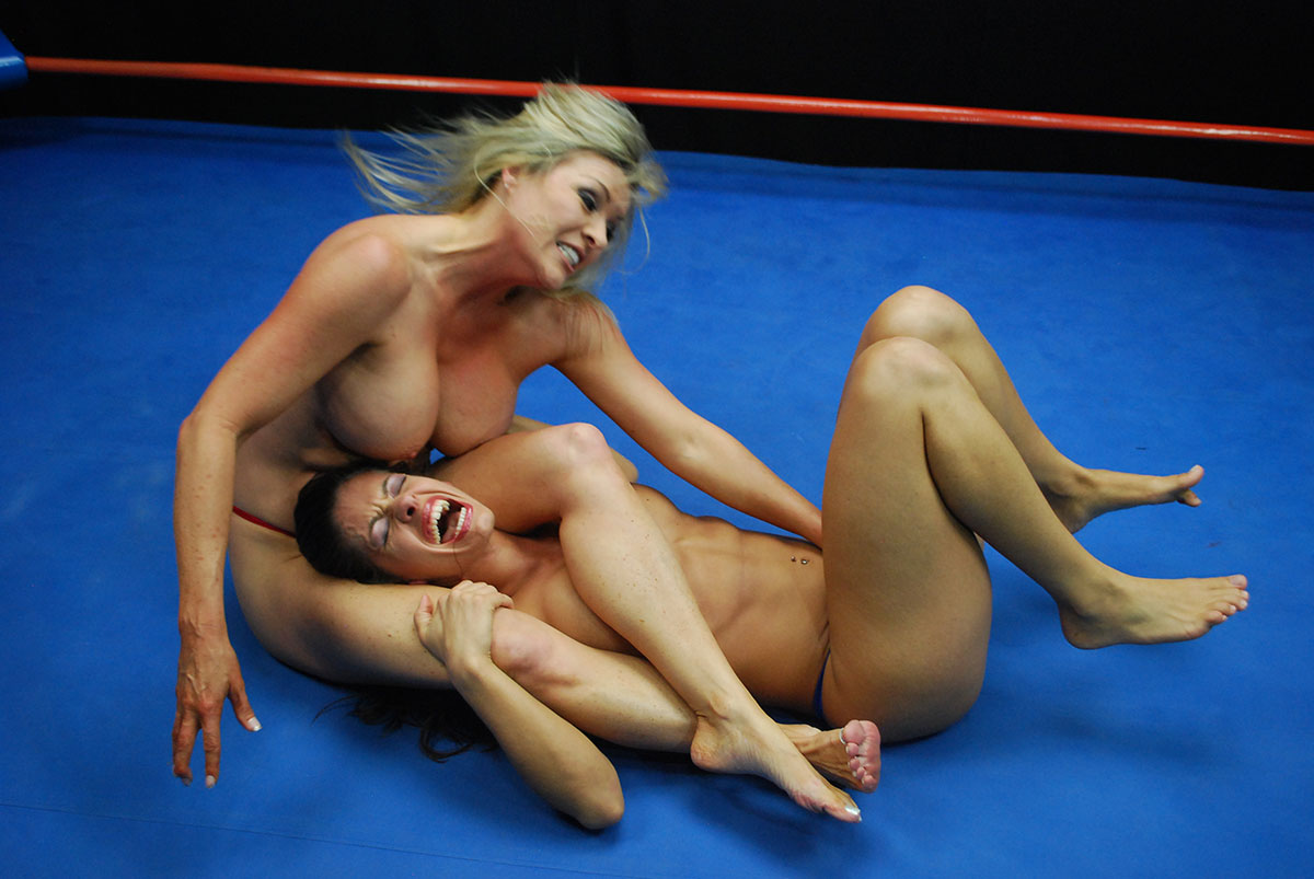 Ultimate surrender's most orgasmic wrestler is drained