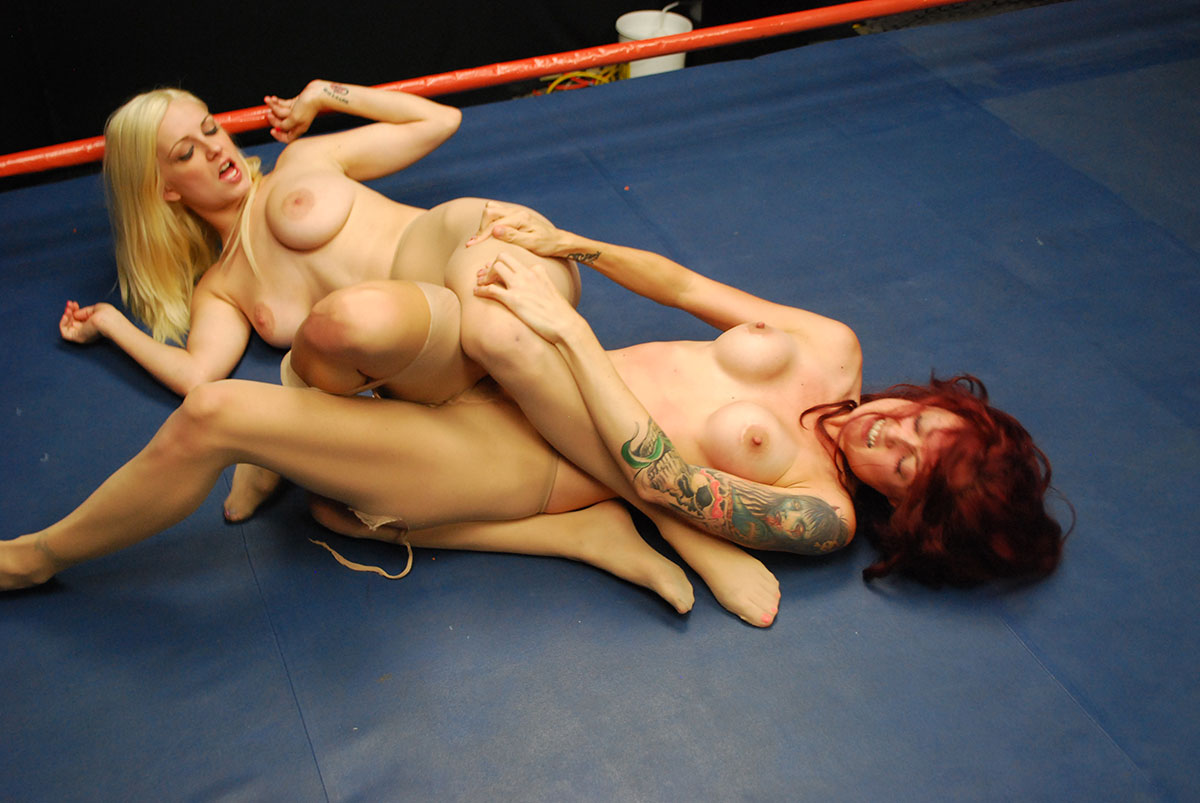 Shemale has erotic wrestling with blonde
