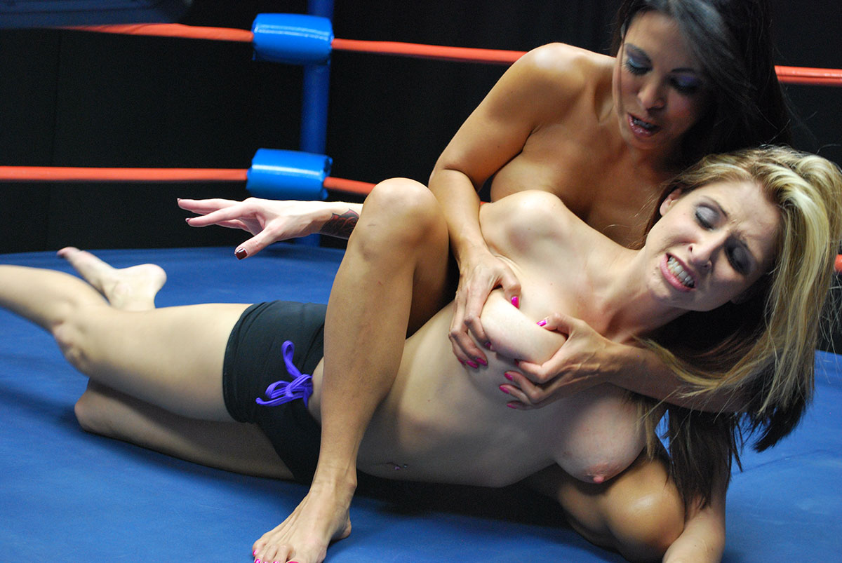 Female Wrestling Photos From Double Trouble Female Wrestling-3145