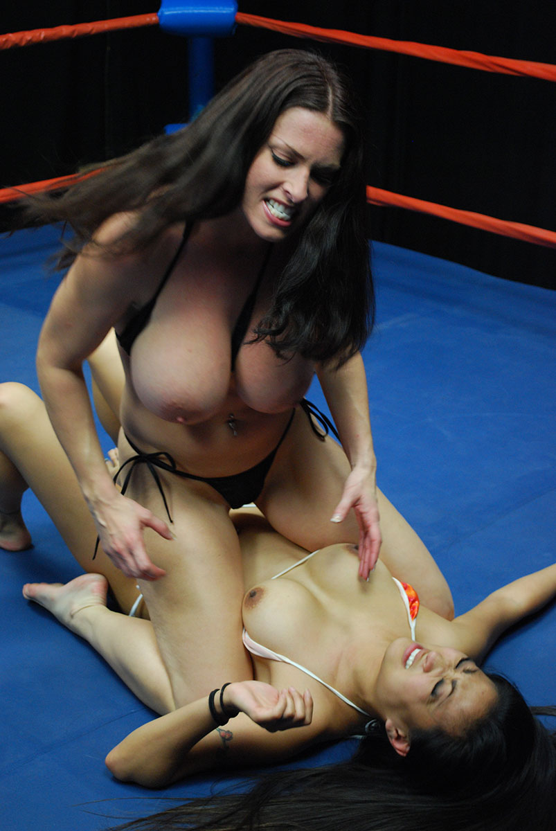 Female Wrestling Photos From Double Trouble Female Wrestling-4165