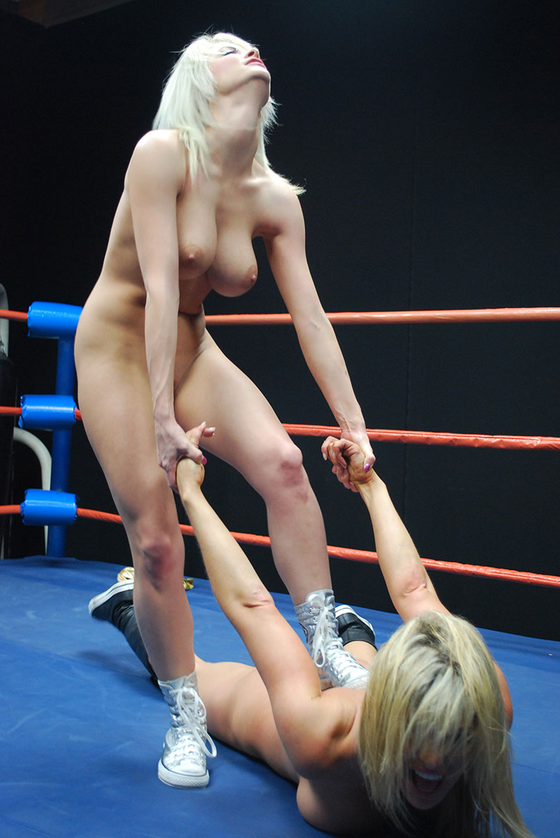 Tylene buck wrestling nude