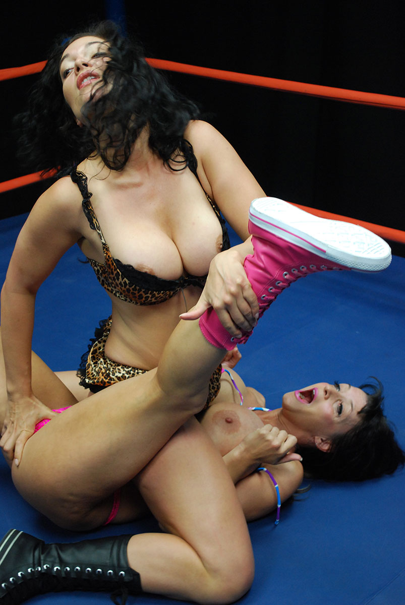 Wwe xxx wrestling in dubai, fuck miss universe pussy
