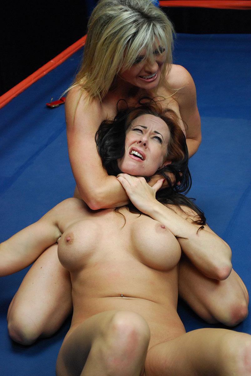 nude female wrestling