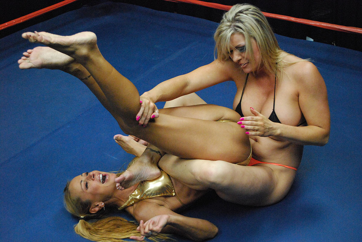 Co Ed Wrestling Nude