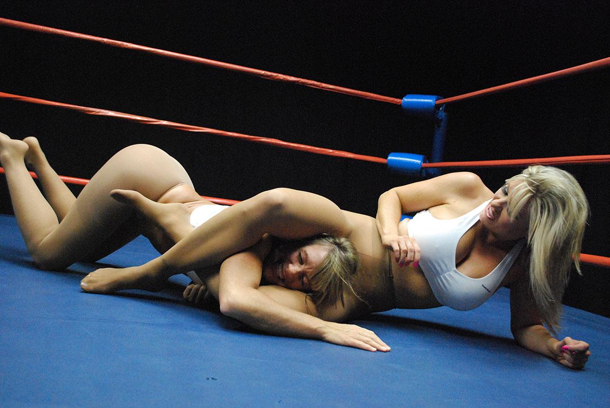 Naked female wwe wrestling