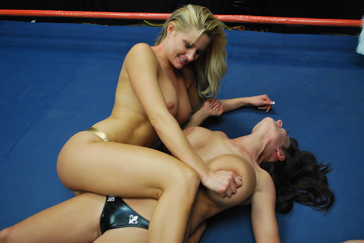 Wwe superstars make love inside a ring