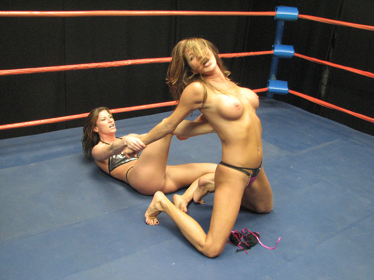 nude-female-wrestlers-wwe-hayek