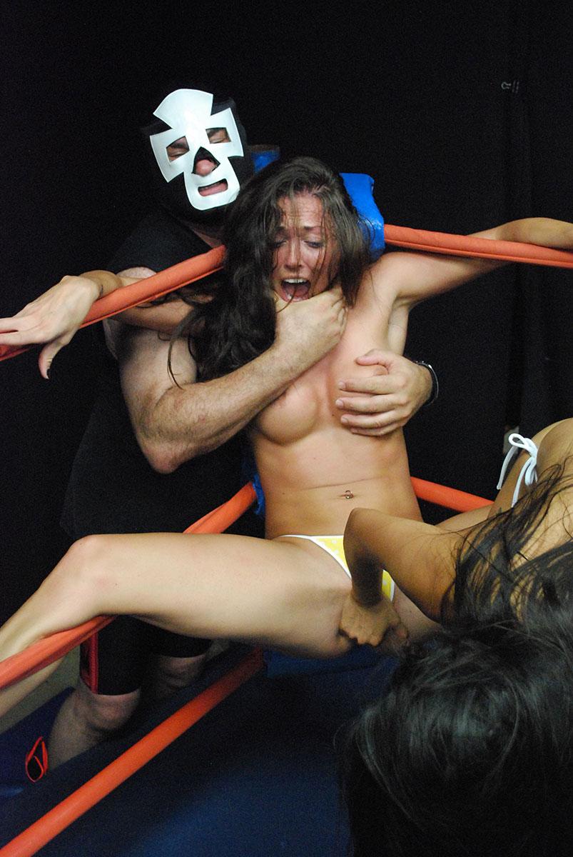 Lesbian female wrestler