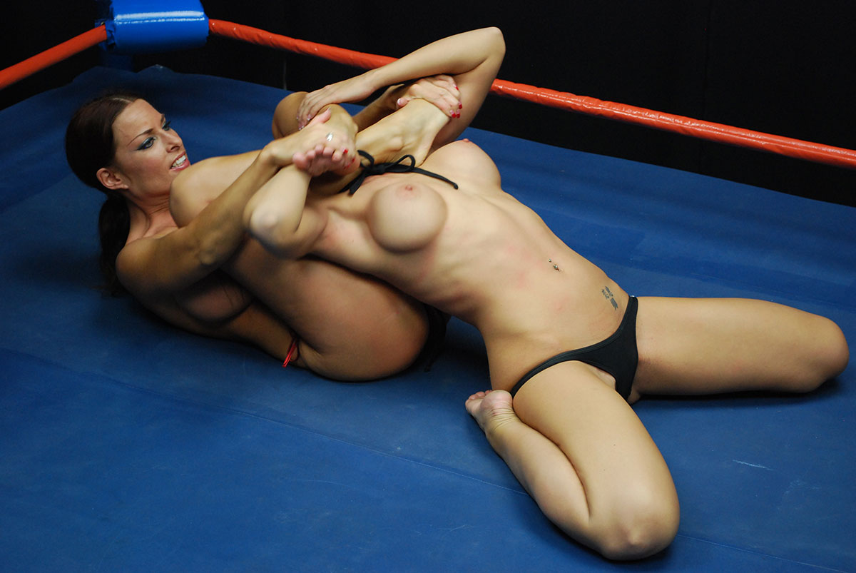 Girl fight tits come out pics
