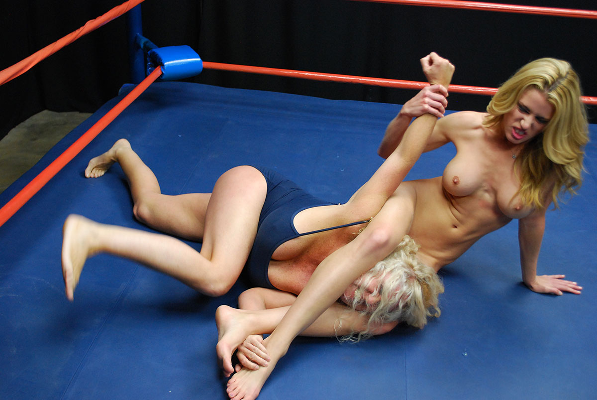 Free hardcore female wrestling