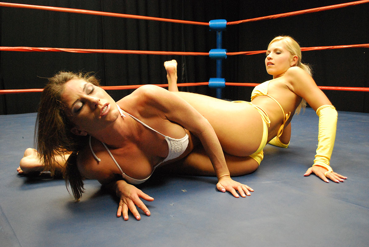 Dt Match Topless Catfighting Featuring Jenni Czech Vs Ariel