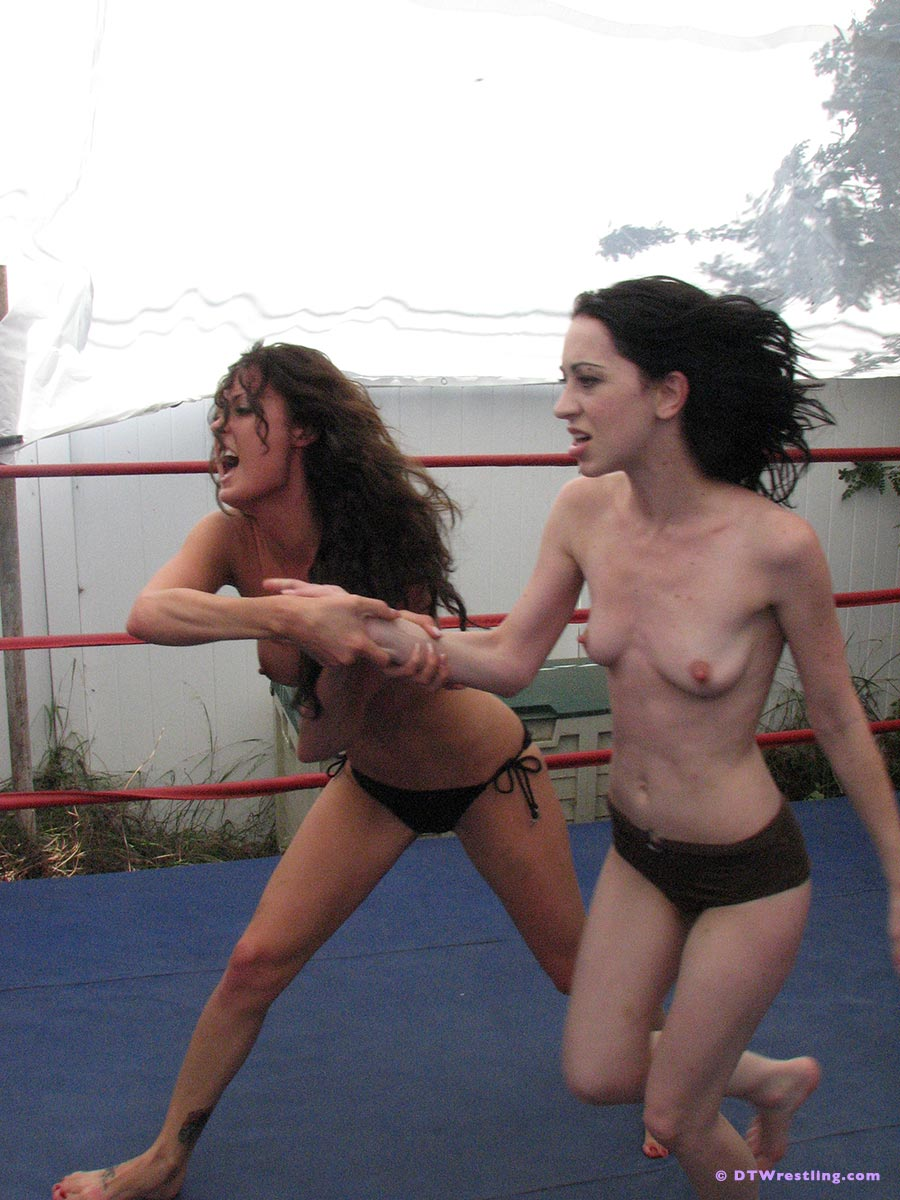 toppless-female-trampolining-xxx-teen-free-pict